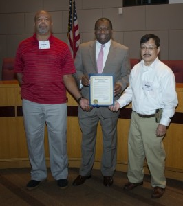 W4GYL and KE6QEY receive proclamation for W4CQ